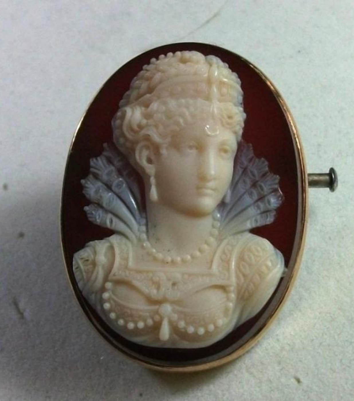 Outstanding Hard Stone Cameo Brooch of a Princess