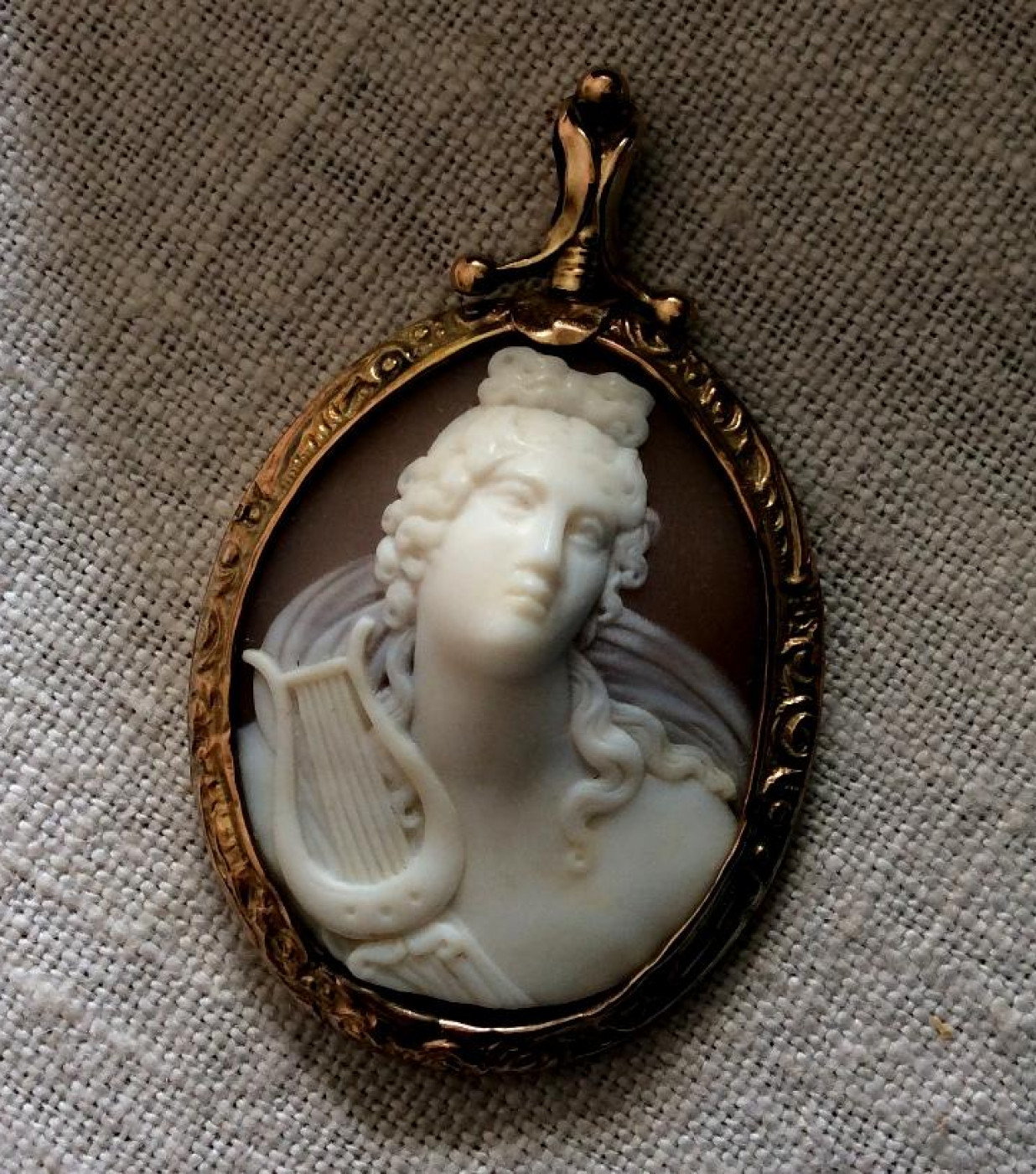 Wonderful Cameo of Apollo with his Lyre